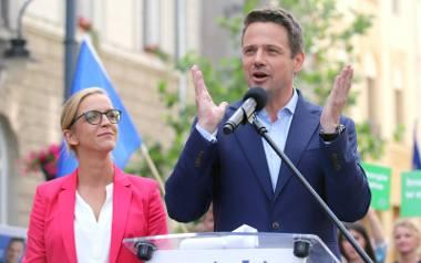 Małgorzata Trzaskowska jest żoną kandydata Koalicji Obywatelskiej w wyborach prezydenckich 2020 Rafała Trzaskowskiego. W kampanii wyborczej często występują