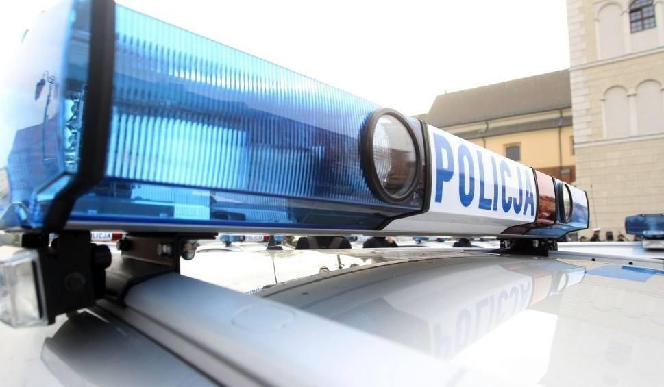 Film do artykułu: Ostrowieccy policjanci uratowali 63-latka przed śmiercią