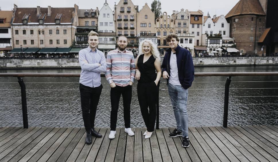 Film do artykułu: Ich trzech, ona jedna, czyli połączenie perkusji z wokalem. Koncert Trio PerKa w Słupsku