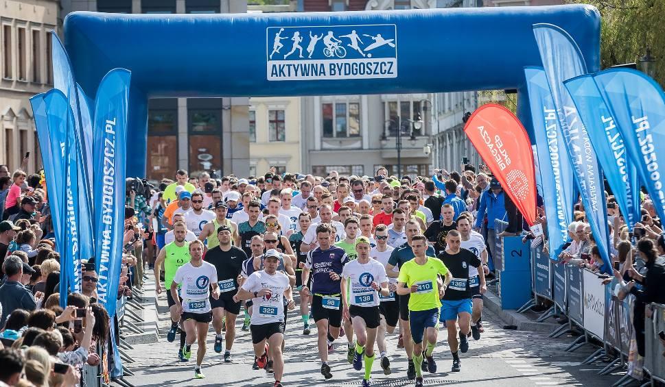 Film do artykułu: Bieg urodzinowy w Bydgoszczy. Ponad tysiąc biegaczy na starcie! [zdjęcia]