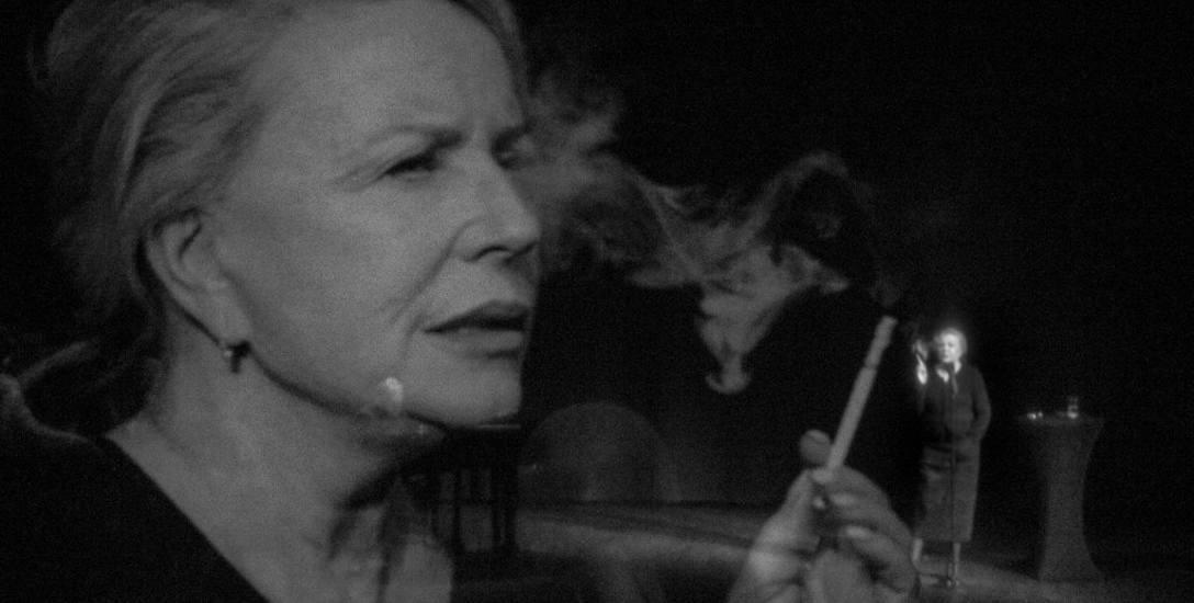 """""""Zapiski z wygnania"""" - monodram Krystyny Jandy na podstawie wspomnieniowej książki Sabiny Baral, zmuszonej do emigracji w 1968 r."""