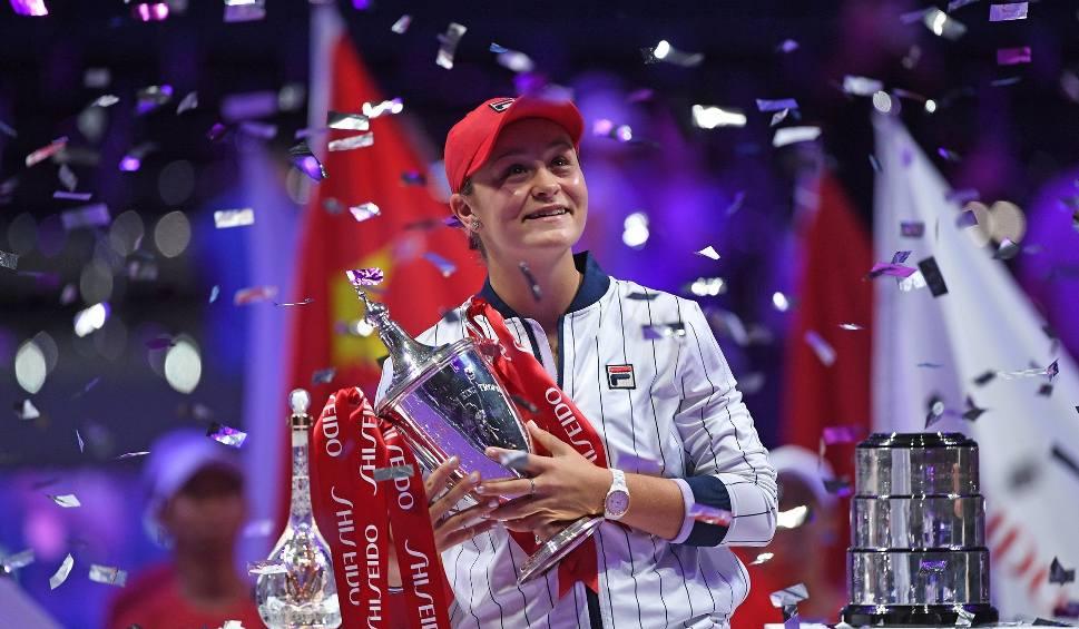 Film do artykułu: WTA Finals. Asheigh Barty po raz pierwszy. Historyczny sukces, rekordowa wypłata, 2 tysiące punktów przewagi