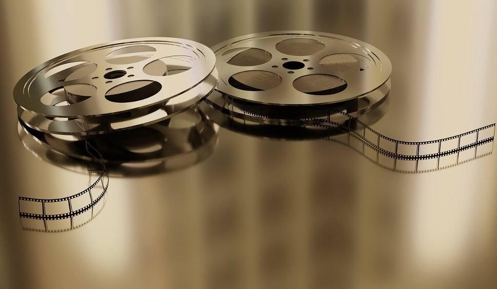 Film do artykułu: Kino samochodowe zagości w Stalowej Woli już 5 czerwca. Internauci sami wybrali filmy, ruszyła sprzedaż biletów!