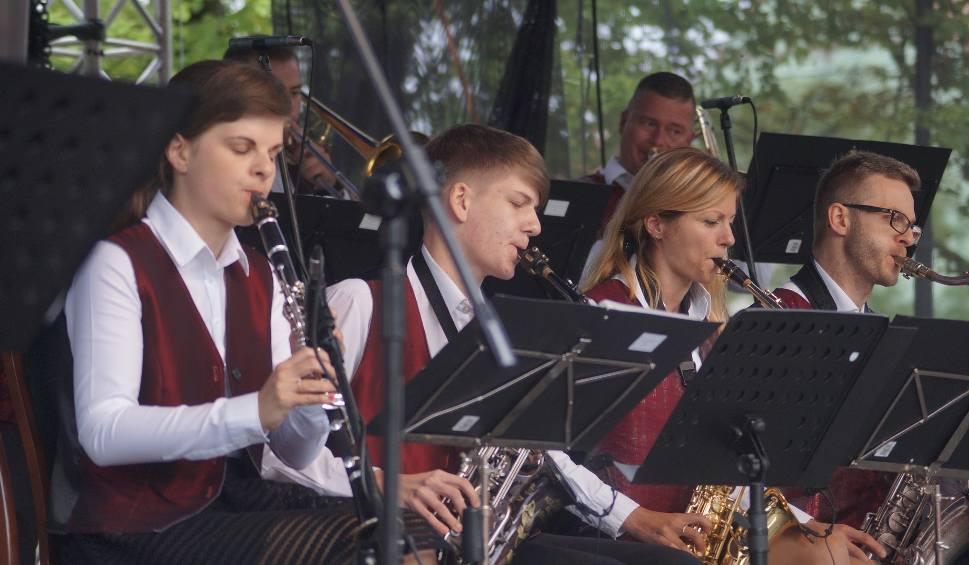 Film do artykułu: Jastrzębskie Lato Muzyczne, czyli wyjątkowy koncert w Parku Zdrojowym ZDJĘCIA