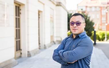 Yi Wang był pierwszym studentem z Chin na Akademii Muzycznej w Bydgoszczy. I w Bydgoszczy realizuje swój zawodowy cel - gra w Orkiestrze Symfonicznej
