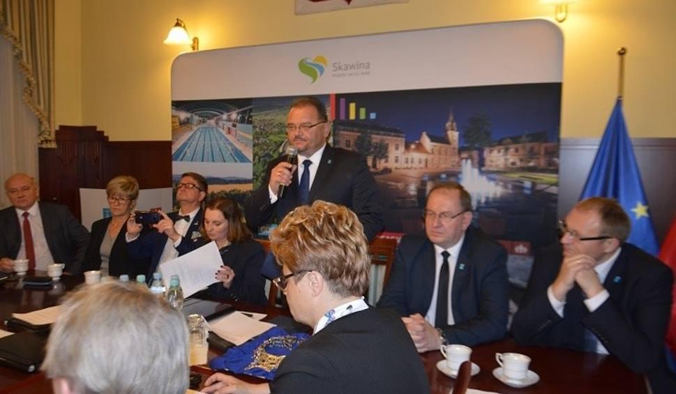 Film do artykułu: Skawina. Sami swoi wiceprzewodniczący. Podział stanowisk w Radzie Miejskiej