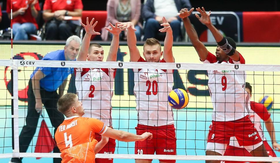 Film do artykułu: Mistrzostwa Europy 2019. Polska - Holandia 3:0. Koncert Biało-Czerwonych w Rotterdamie [ZDJĘCIA]