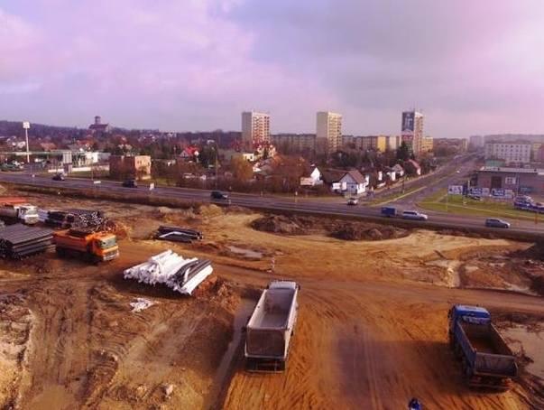 """Budowa ekspresowej """"siódemki"""" w Skarżysku-Kamiennej trwa od blisko czternastu miesięcy."""