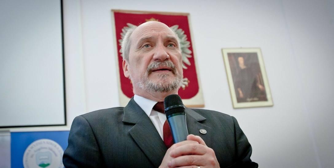 Skarżących Antoniego Macierewicza za raport WSI było wielu. Ministerstwo Obrony Narodowej co rusz w swoim Dzienniku Urzędowym drukuje przeprosiny i
