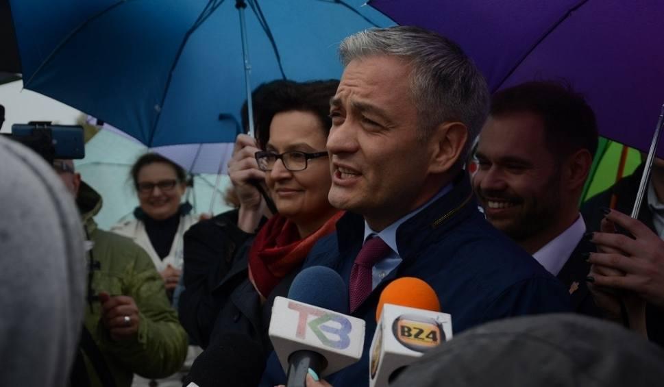 Film do artykułu: Robert Biedroń odwiedził taras widokowy KWB Bełchatów i mówił o... rezygnacji z węgla [ZDJĘCIA, FILM]