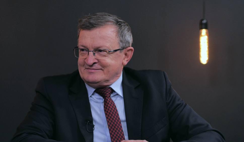 Film do artykułu: Tadeusz Cymański w programie Pod Ostrym Kątem: - W czasie głosowania nie zadrżała mi ręka, natomiast zacisnąłem zęby