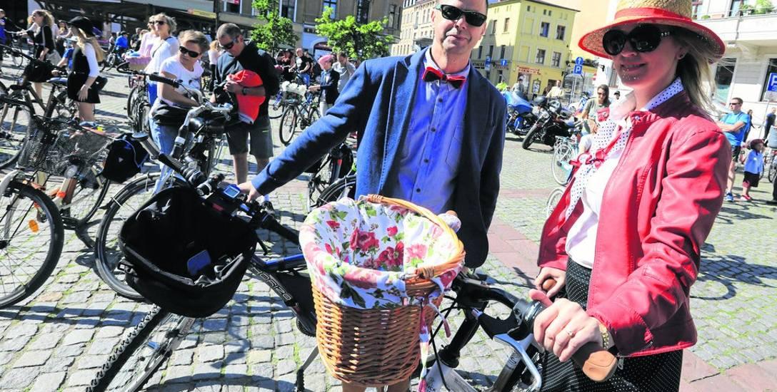 A alternatywą w poruszaniu się po mieście, także w eleganckich strojach, zawsze może być rower