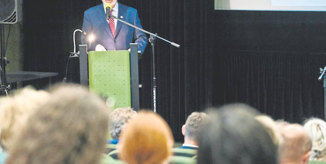 O pracy pedagoga i terapeuty mówił Henryk Zabrocki, prezes zarządu Oddziału Okręgowego TPD w Koszalinie