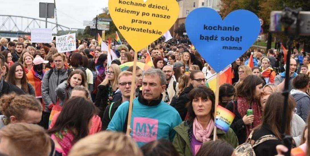 Problemy młodych ludzi LGBT były poruszane w tym roku m.in. na  Toruńskim Marszu Równości
