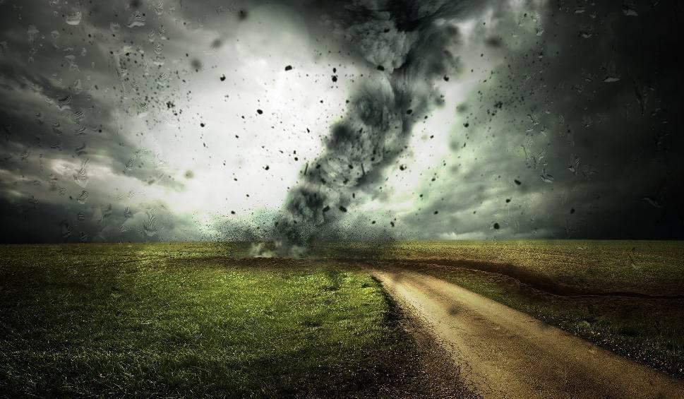 Film do artykułu: Uwaga! Nad regionem radomskim będzie wiał potężny huragan!