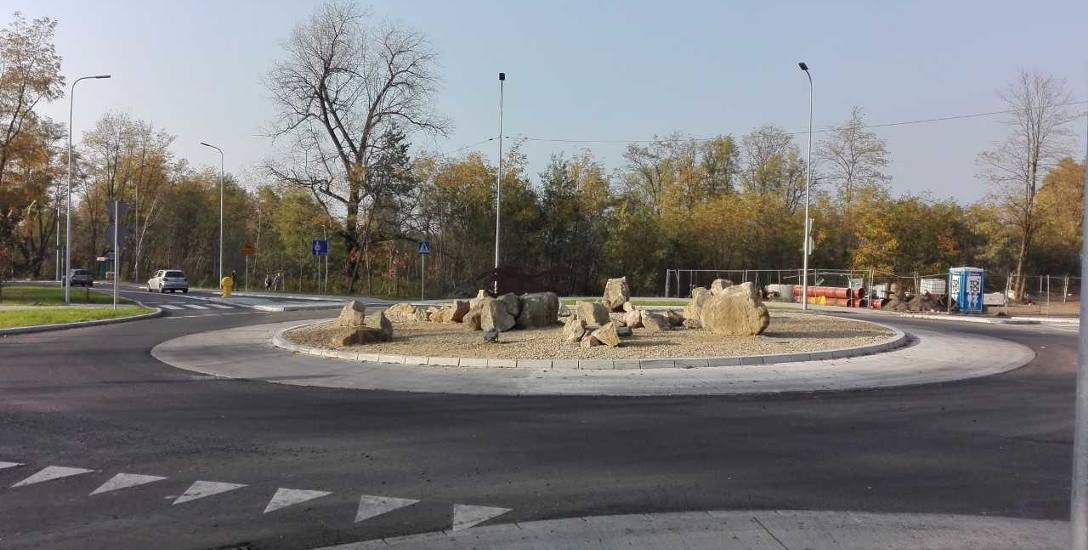Nowe rondo powstało w ostatnich latach na skrzyżowaniu ulic Sobieskiego i Płetwonurków w Pieczyskach