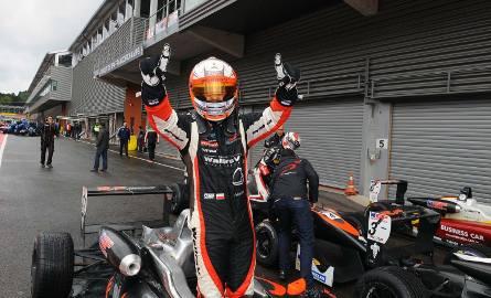 Igor Waliłko ma jasno określony cel: chce być kierowcą Formuły 1. Przed nim jeszcze sporo pracy, ale wybrana droga na pewno jest właściwa.Chłopak z Zielonej