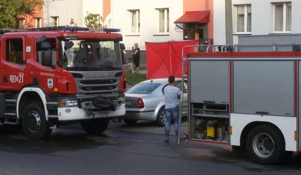 Film do artykułu: Pożar mieszkania w Jaworznie na Chopina. Jest ofiara śmiertelna
