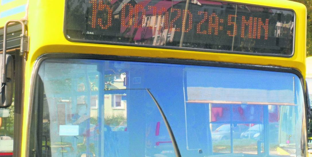 Pasażerowie miejskich autobusów, czekając na nie na pętlach, dowiadują się teraz, kiedy rozpoczną kursy. ZIM wprowadził taką informację na prośbę mi