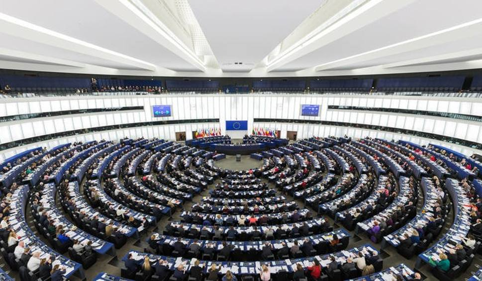 Film do artykułu: Wybory do europarlamentu 2019 w pigułce. Jak i gdzie głosować? [ZASADY] [OKRĘGI] Ile mandatów w Parlamencie Europejskim dla Polski?