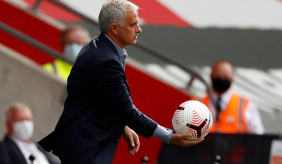 """Film do artykułu: Macedoński dziennikarz zamierza umieścić swoje zdjęcie z Jose Mourinho w grobie ojca, który był fanem Portugalczyka. """"To dla mnie zaszczyt"""""""