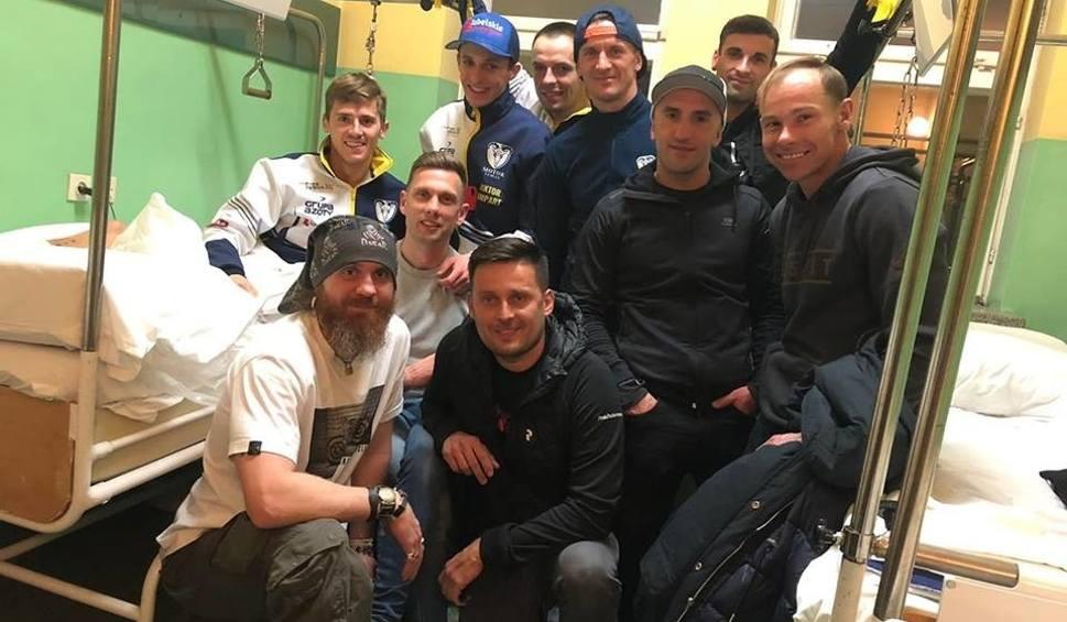 Film do artykułu: W lubelskim szpitalu lekarz ratował nogę żużlowca Speed Car Motoru, Grzegorza Zengoty