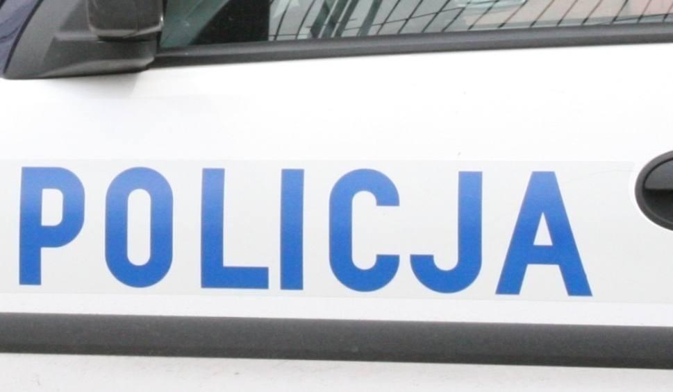 Film do artykułu: Wypadek w Sandomierzu. Zderzenie dwóch samochodów osobowych na drodze krajowej nr 77, dwie osoby ranne