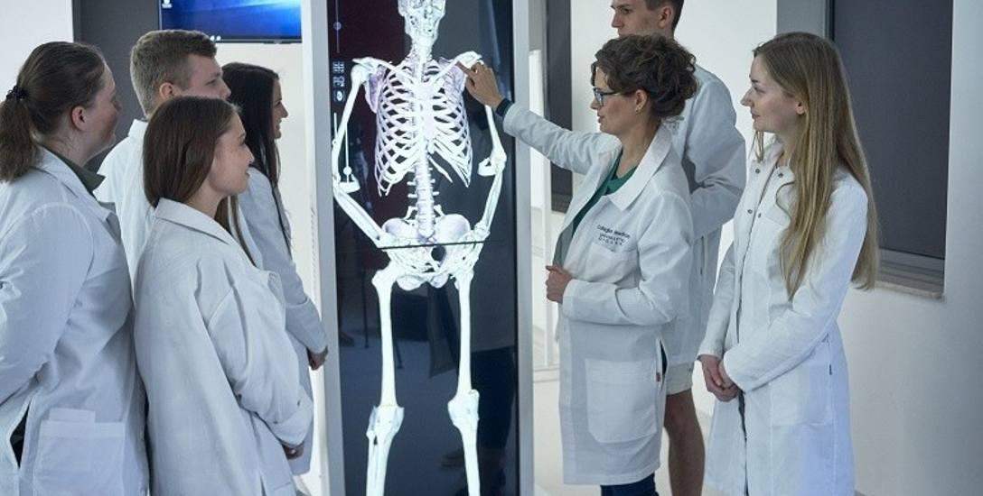 Rośnie liczba miejsc na medycynie na polskich uczelniach. Uniwersytet Opolski przyjmie 160 osób