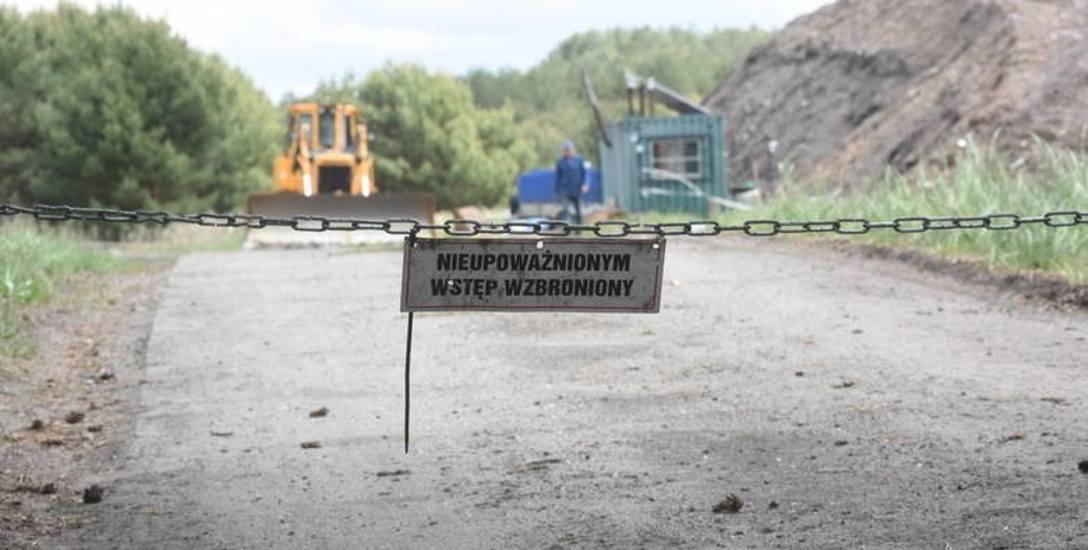 Dawno wysypisko DOZAMETU w Bobrownikach. Mieszkańcy przypominają, że do niedawna teren był płaski. Teraz rośnie hałda. Ma być przywiezionych 180 tys.