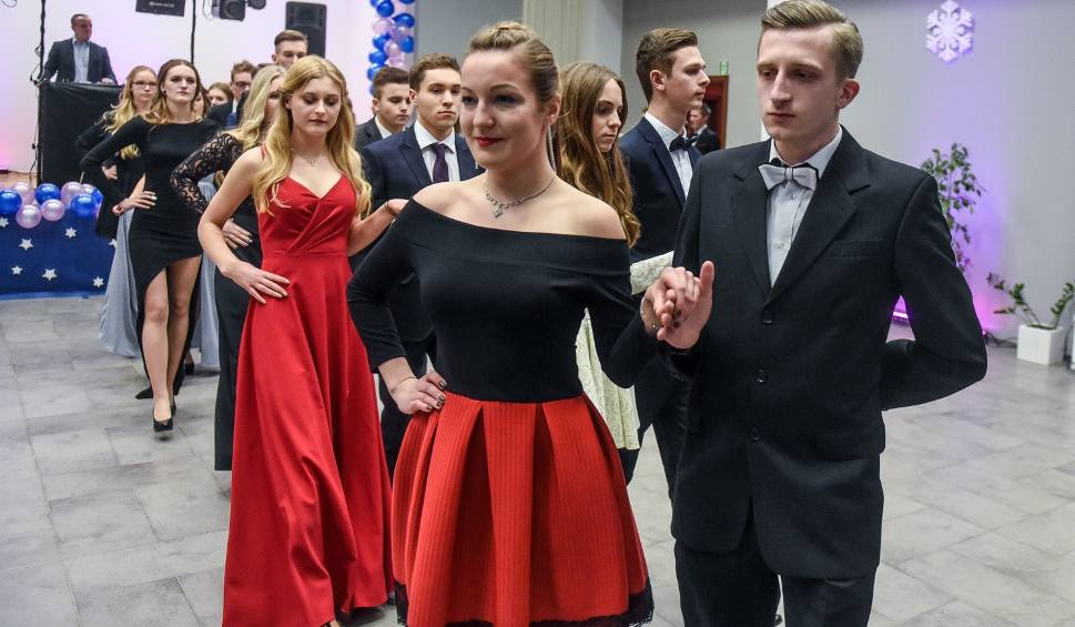 Film do artykułu: Studniówka 2017 XV LO w Poznaniu [ZDJĘCIA]