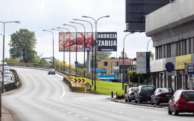 Kontrowersyjne billboardy antyaborcyjne w Warszawie