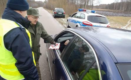 """Akcja """"Jedź ŁOŚtrożnie!"""" na trasie Augustów – Lipsk (zdjęcia)"""