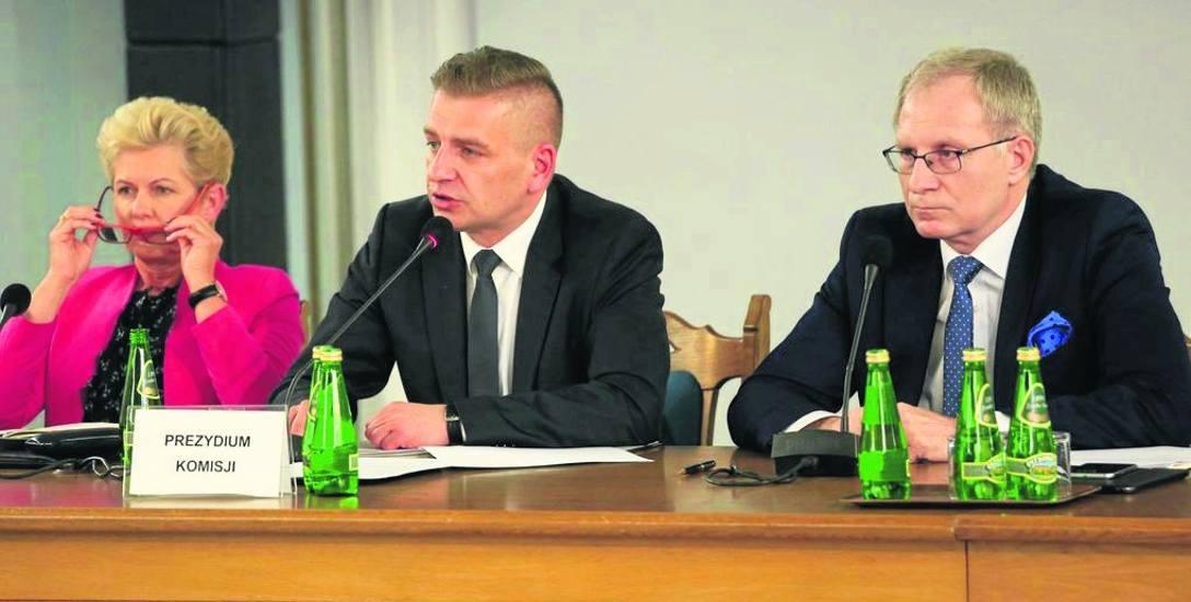Poseł PiS Tomasz Latos (po prawej) z rozbawieniem obserwował komentarze po swoim wpisie na Twitterze