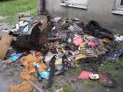 Pożar budynku socjalnego w Radomsku. 7 osób poszkodowanych [ZDJĘCIA]