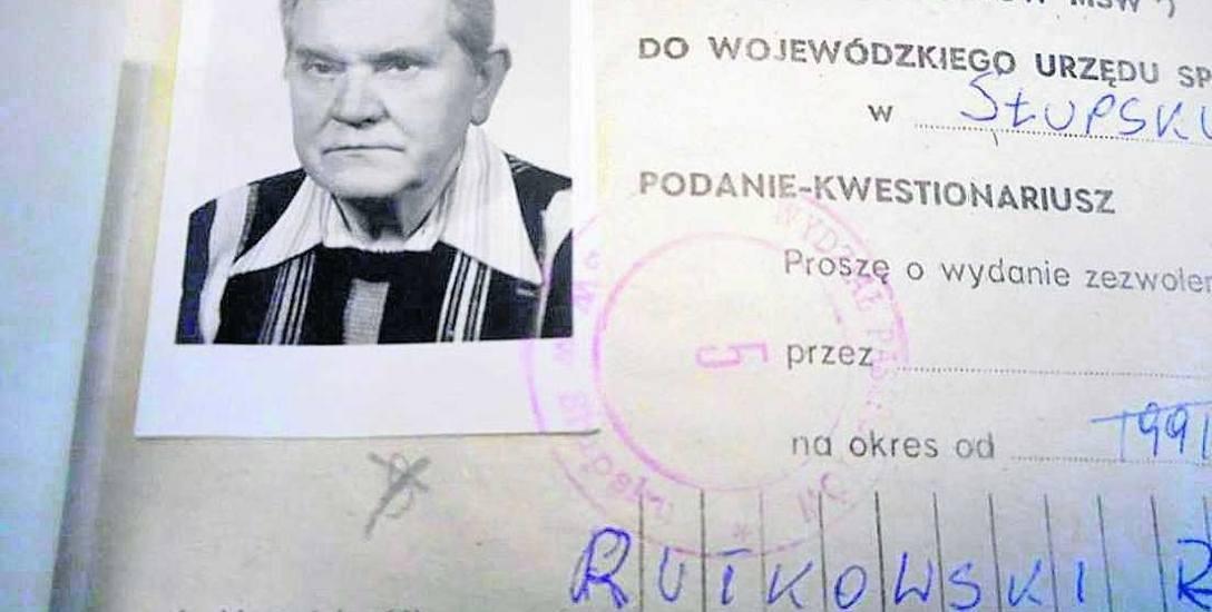 Rajmund Rutkowski (zdjęcie pochodzi z 1990 r.) był pierwszym przewodniczącym Rady Miejskiej w Miastku po przemianach ustrojowych