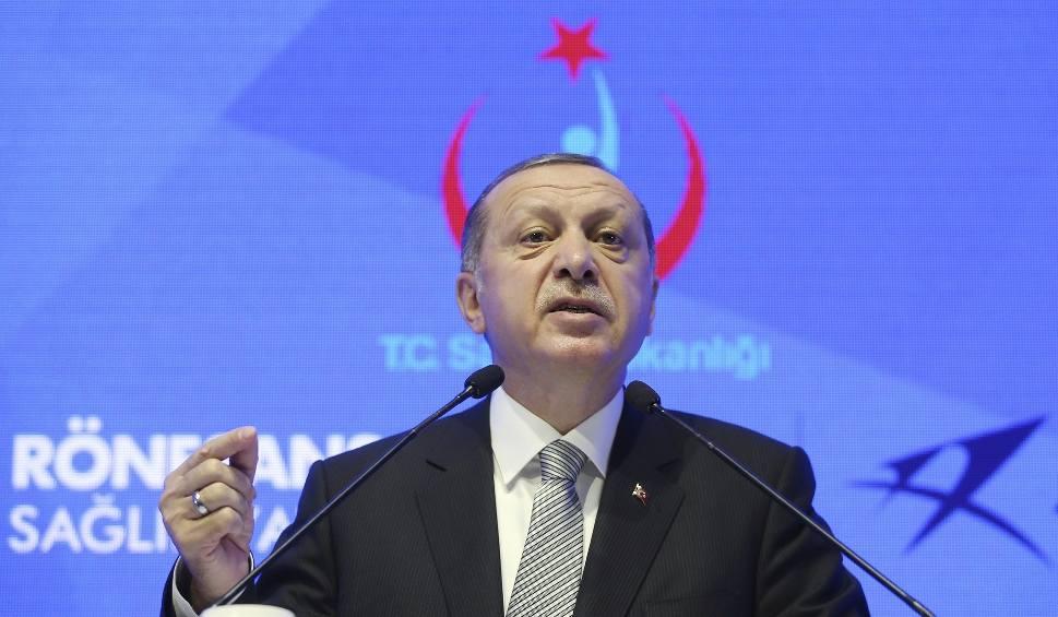 """Film do artykułu: Erdogan do szefa MSZ Niemiec: """"Kim jesteś, by zwracać się w ten sposób do prezydenta Turcji?"""""""