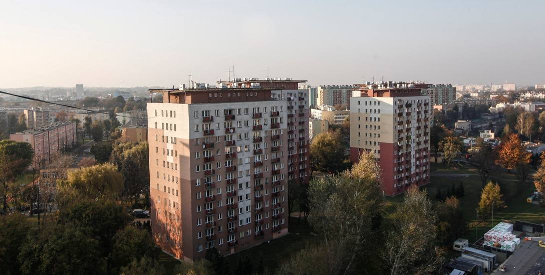 """Budynki z """"wielkiej płyty"""" są trwałe, jednak wymagają dużych nakładów finansowych, przede wszystkim na wymianę instalacji wewnętrznych - elektrycznych"""