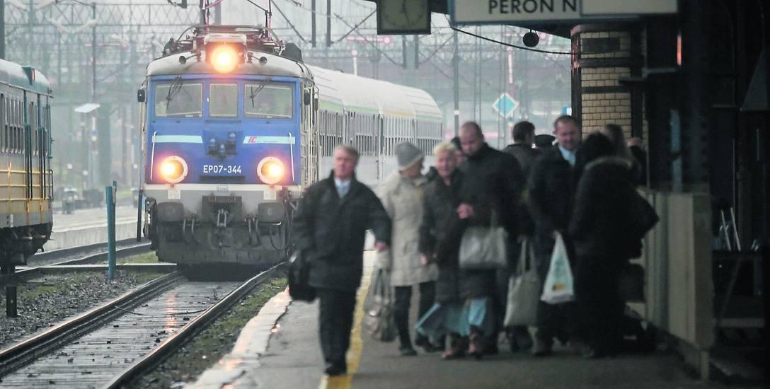 Jeszcze nie wiadomo, kiedy PKP rozpocznie zapowiadane od dawna prace związane z przebudową słupskiego dworca kolejowego oraz związanych z nim peronó