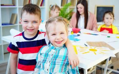 Debiut przedszkolaka. Pierwsze dni w przedszkolu to duży stres. Podpowiadamy, jak pomóc dziecku przystosować się do nowej sytuacji