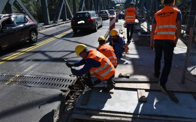 Remont mostu drogowego w Toruniu. Mamy zdjęcia z placu budowy