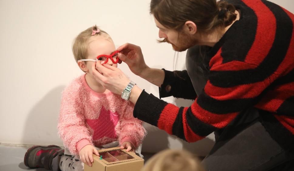 Film do artykułu: Przedszkolaki poznają sztukę w Elektrowni w Radomiu. Świetne warsztaty także dla najmłodszych (zdjęcia)