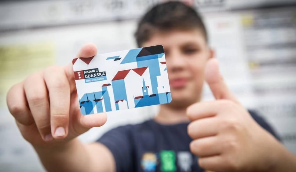 Film do artykułu: Gdańska Karta Mieszkańca ma już prawie rok. Ponad 155 tysięcy mieszkańców Gdańska korzysta z jej możliwości