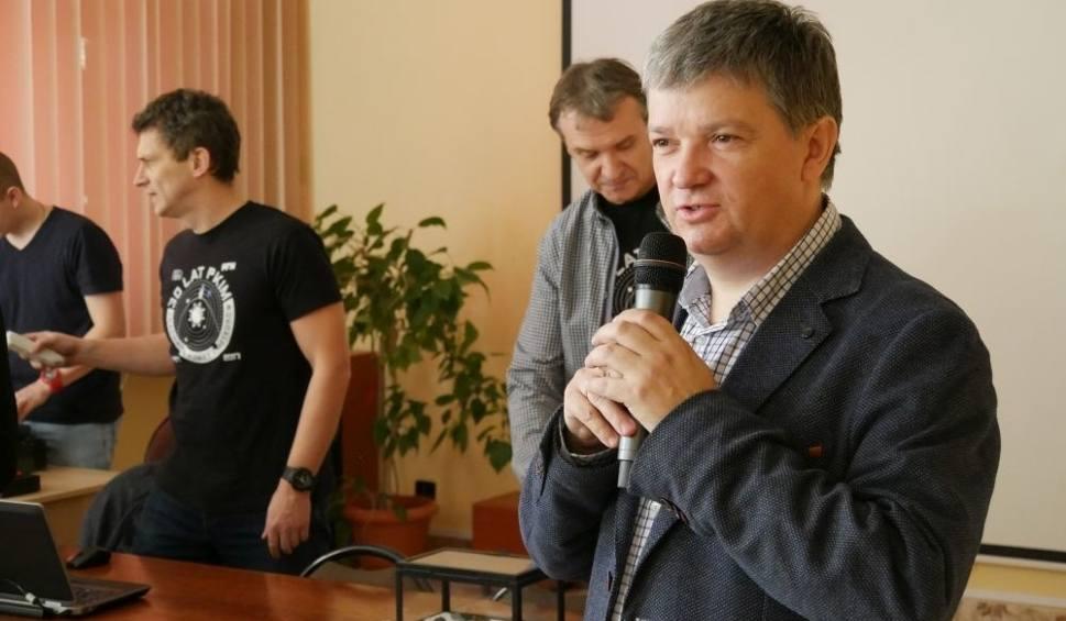 Film do artykułu: W Zespole Szkół w Kozienicach polują na meteoryty. Powstała tam stacja badawcza