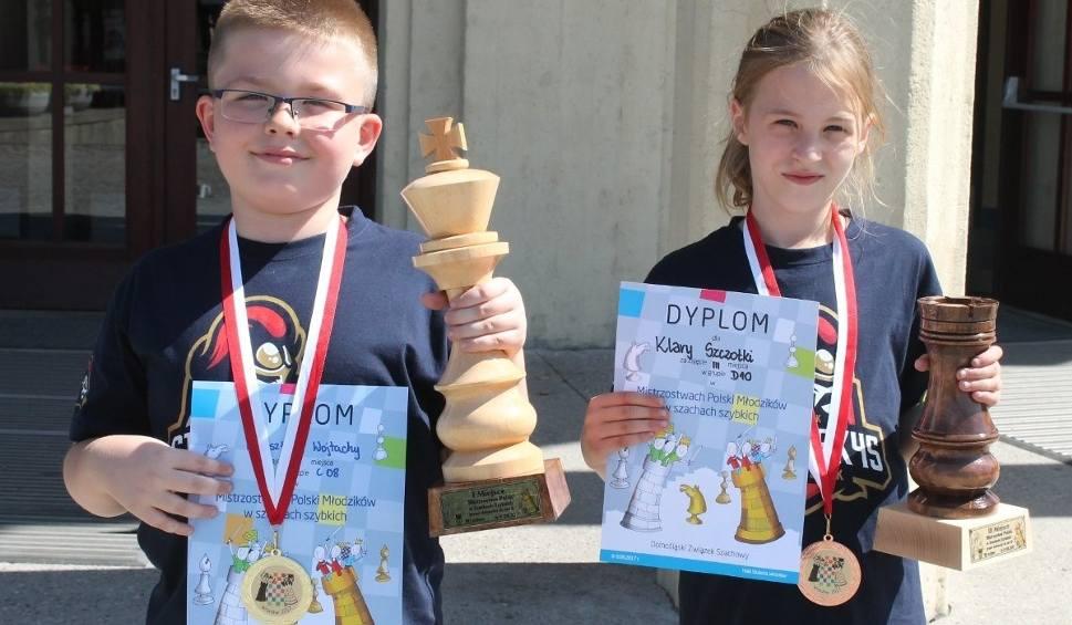 Film do artykułu: Mistrzostwa Polski w szachach. Białostoccy juniorzy z medalami (zdjęcia)