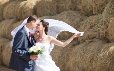 Fotografia ślubna. Najnowsze trendy, co zmieniło się na przestrzeni ostatnich lat [WIDEO]