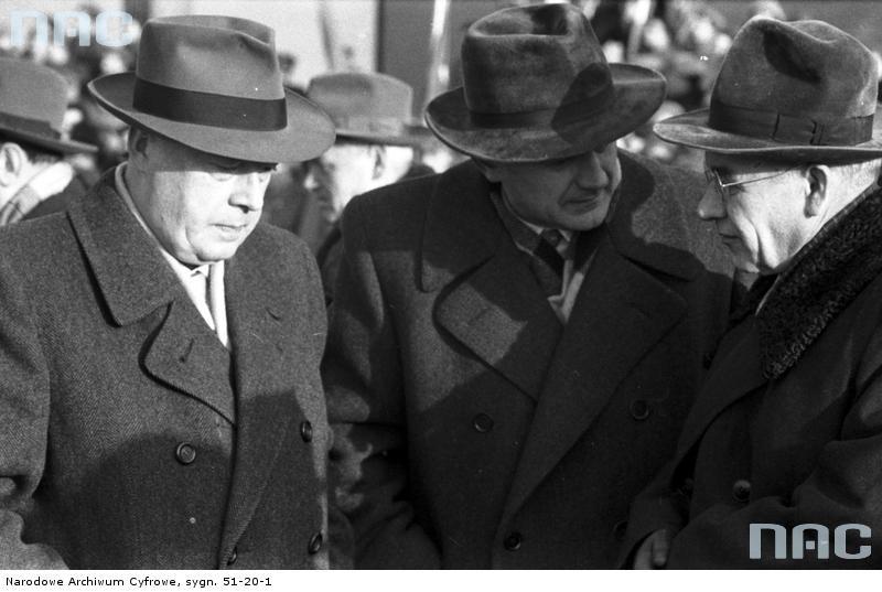 Józef Cyrankiewicz (z lewej) prowadził bankietowy styl życia