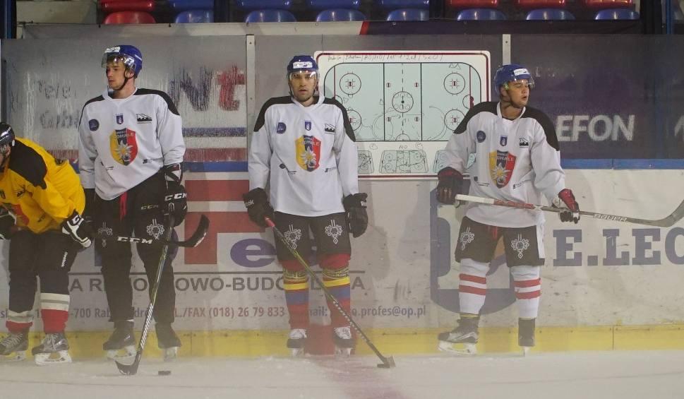 """Film do artykułu: """"Szarotki"""" rozpoczęły treningi na lodzie"""