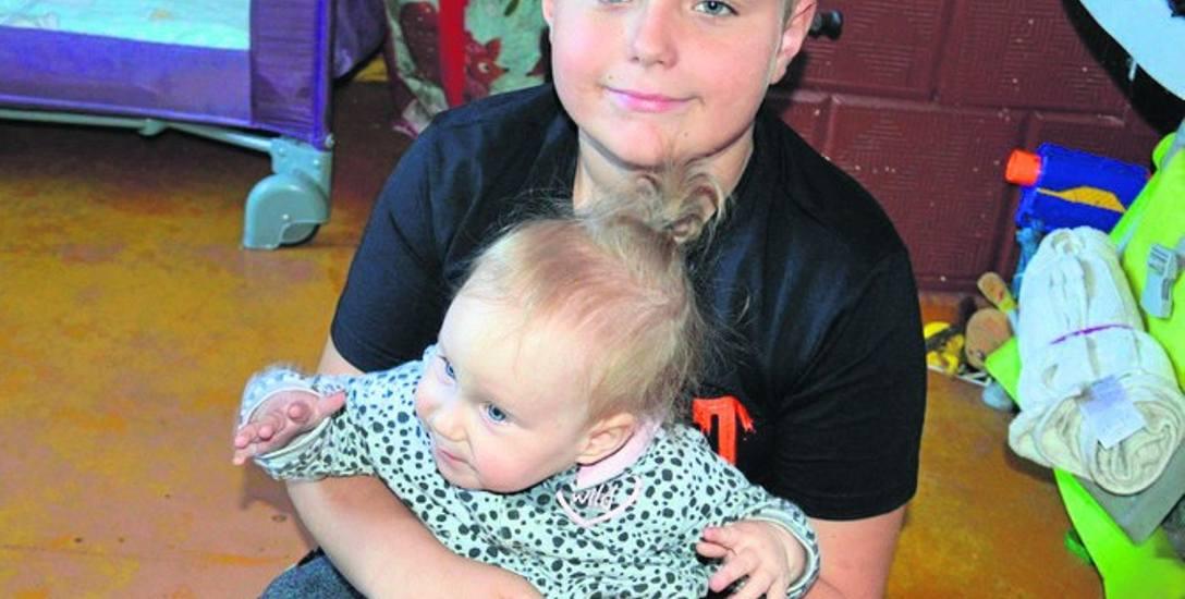 Natalia Nowakowska ma 14 miesięcy. Może jeszcze widzieć, ale potrzebne są na to pieniądze
