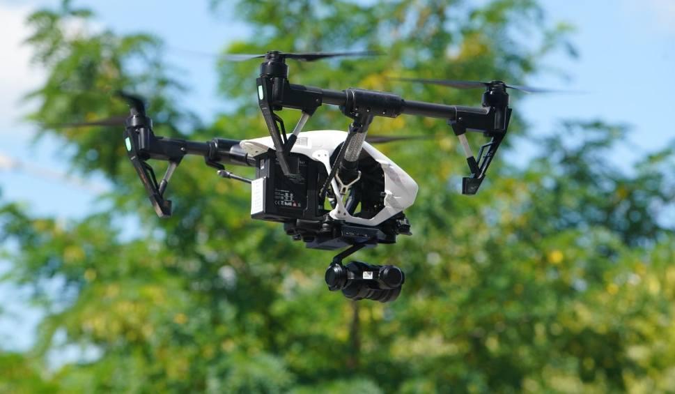Film do artykułu: Koronawirus - Trójmiasto: Policja używa dronów pilnując restrykcji związanych z epidemią
