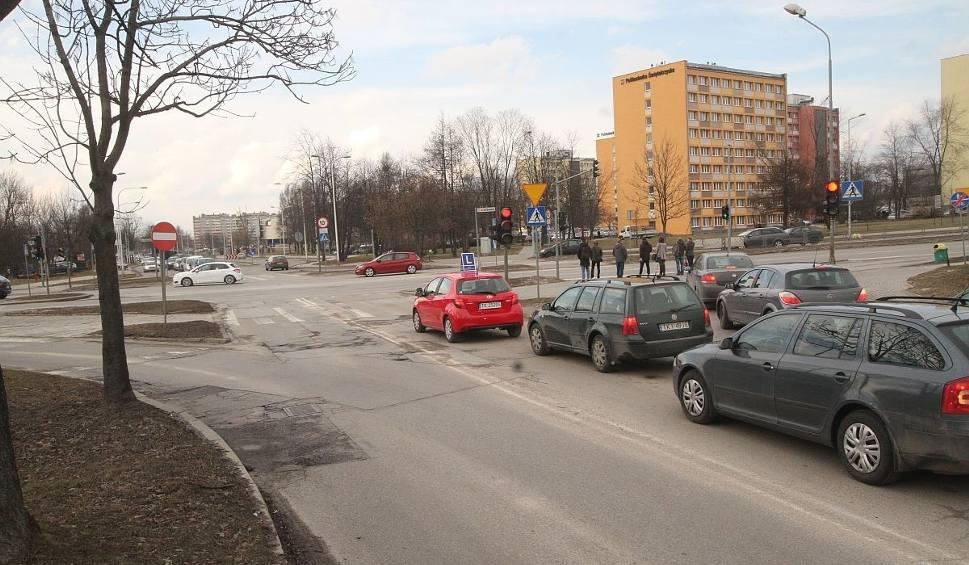 Film do artykułu: Coraz bliżej przebudowy ważnego skrzyżowania w Kielcach